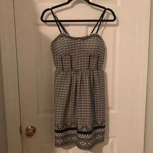 B/W Patterned Dress with Pockets